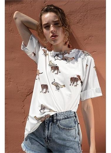 Pattaya Pattaya Kadın Çita Baskılı Yırtmaçlı Kısa Kollu Tişört Y20S110-4133 Renkli